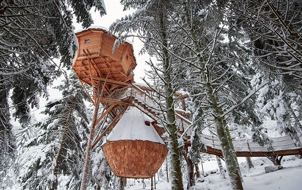 le camping au pied des pistes de ski. Black Bedroom Furniture Sets. Home Design Ideas