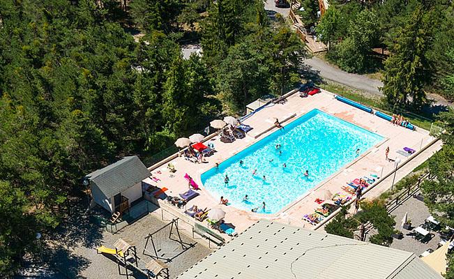 Camping barcelonnette piscine location mobil home for Piscine barcelonnette