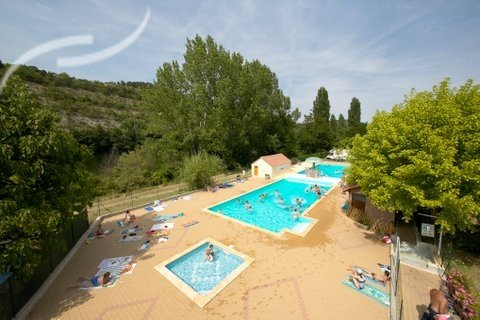 Camping cahors piscine location mobil home cahors piscine for Camping cahors piscine