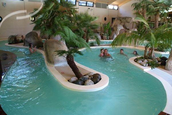 Camping aquitaine avec piscine couverte