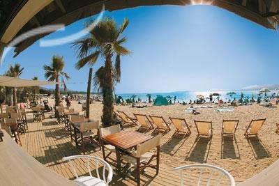 Camping port grimaud bord de mer votre location de mobil home port grimaud au bord de la plage - Location port grimaud pas cher ...