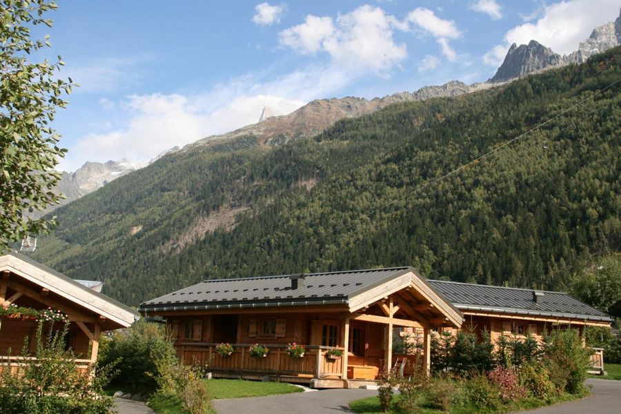 Camping chamonix mont blanc 13 campings et 51 aux for Camping chamonix piscine