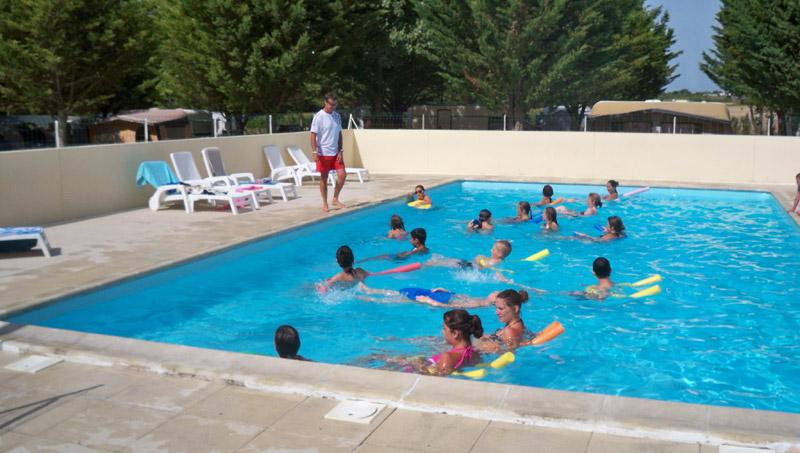 Camping avec piscine saujon for Camping poitou charente piscine