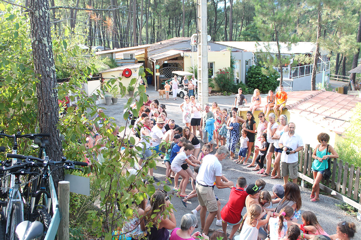 Camping Bois Simonet 4étoiles Joyeuse Toocamp # Camping Bois Simonet Joyeuse