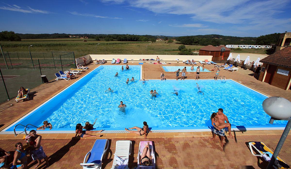 Camping avec piscine vitrac for Camping de france avec piscine