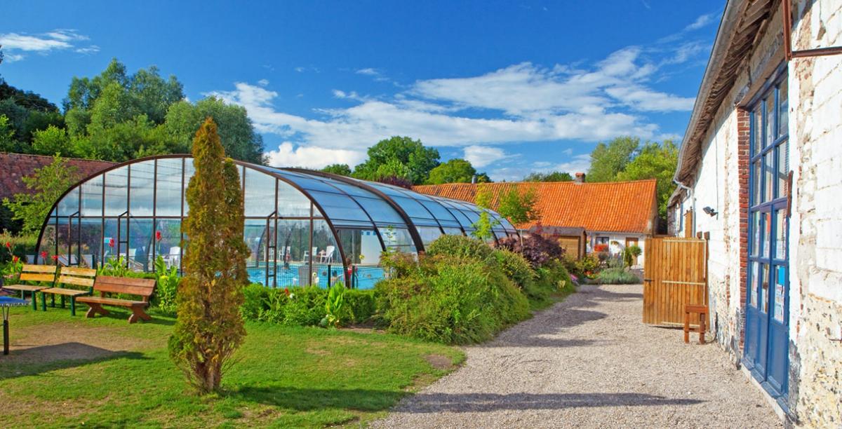 Camping la ferme des aulnes 4 toiles nampont saint for Camping a la ferme auvergne piscine
