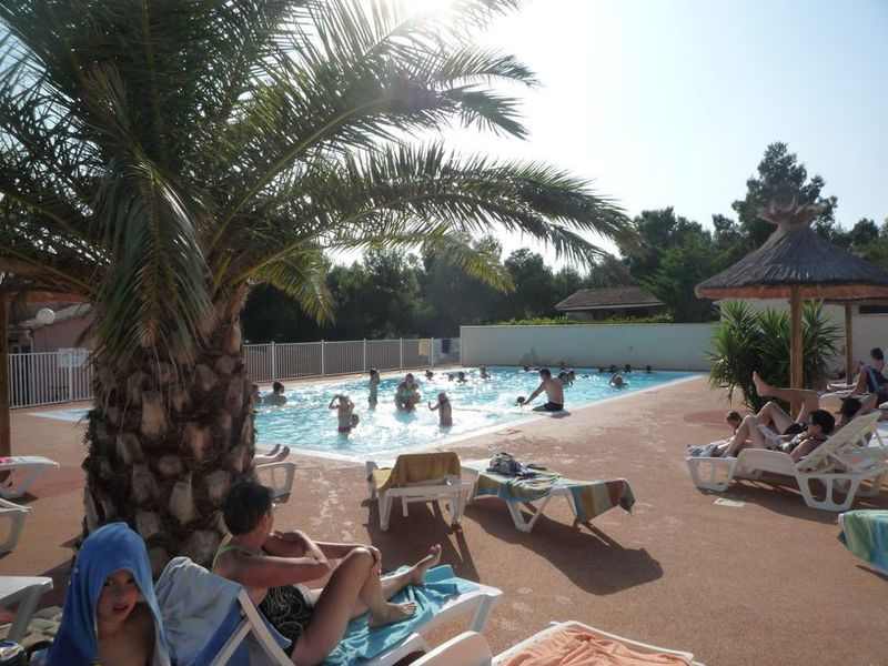 Camping narbonne plage avec piscine camping dans l 39 h for Camping dans les vosges avec piscine