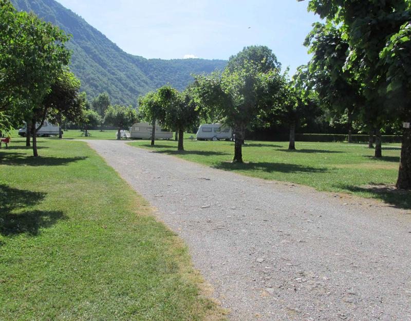 Campings proches du lac du bourget toocamp for Camping le bourget du lac avec piscine