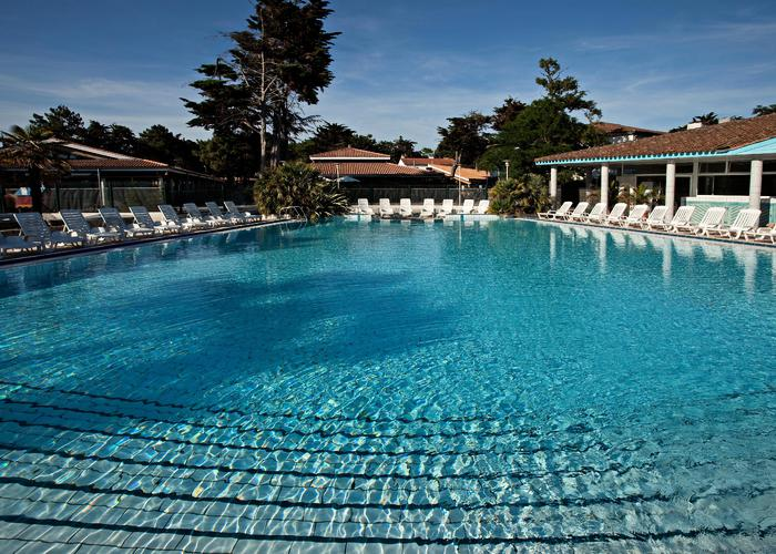Camping avec piscine puilboreau for Camping poitou charente piscine