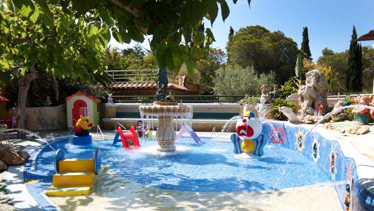 Camping Park Playa Bar 4 Toiles Roda De Bara Toocamp