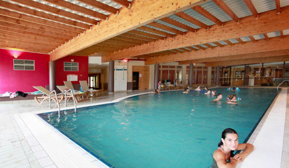 Camping avec piscine champagnole for Prix piscine chatillon