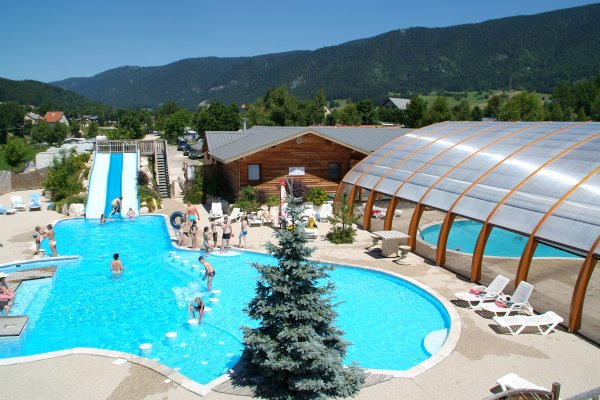 Camping is re 85 campings en is re comparer for Cash piscine isere