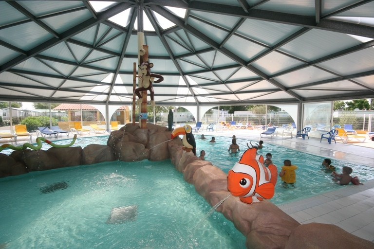 Camping bel air 4 toiles l 39 aiguillon sur mer toocamp for Camping cancale avec piscine couverte