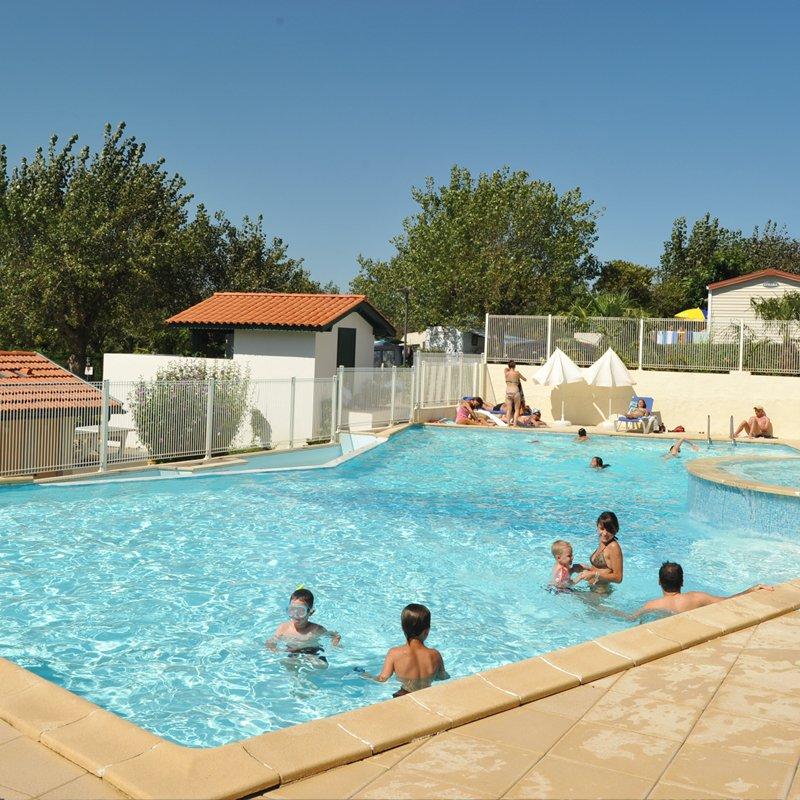 Camping biarritz camping 3 toiles biarritz toocamp for Hotels 3 etoiles biarritz