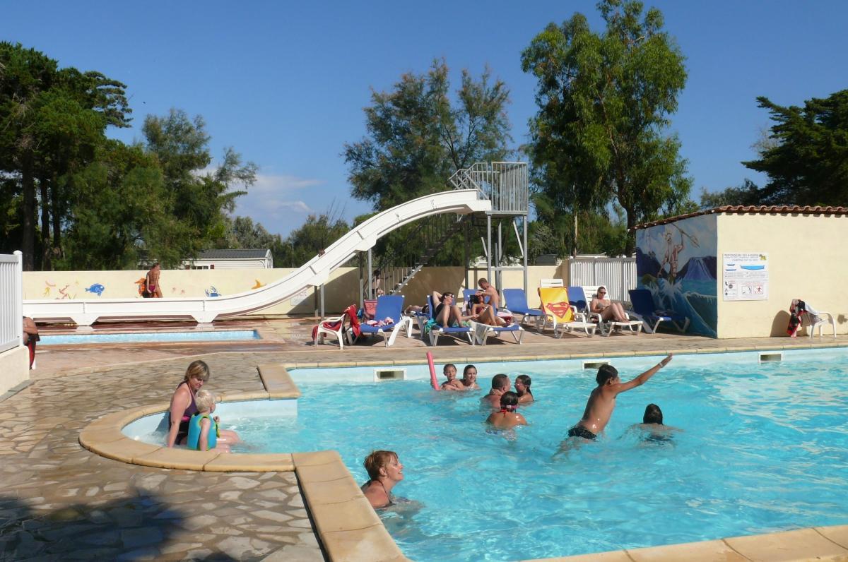 Camping port la nouvelle parc aquatique 1 campings for Camping massif central avec piscine