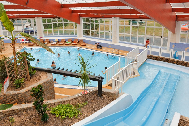 Camping ch teau lez eaux 5 toiles saint pair sur mer for Piscine center parc normandie