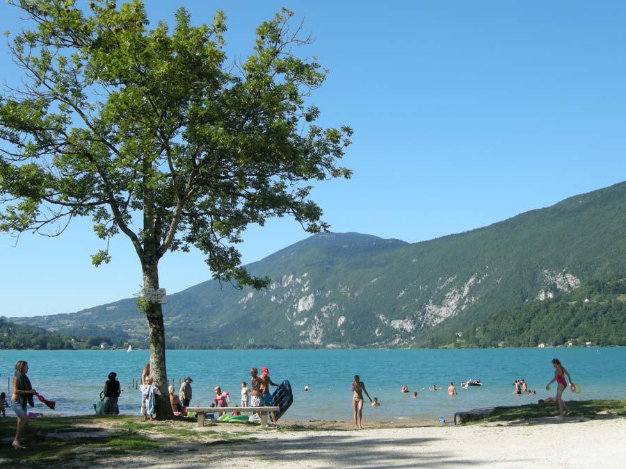 Camping des chavannes 3 toiles novalaise toocamp for Camping au bord du lac de sainte croix avec piscine