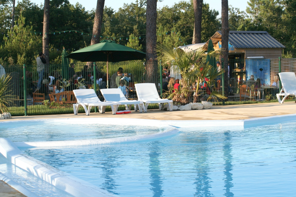 Camping Des Pins 4 Toiles Soulac Sur Mer Toocamp