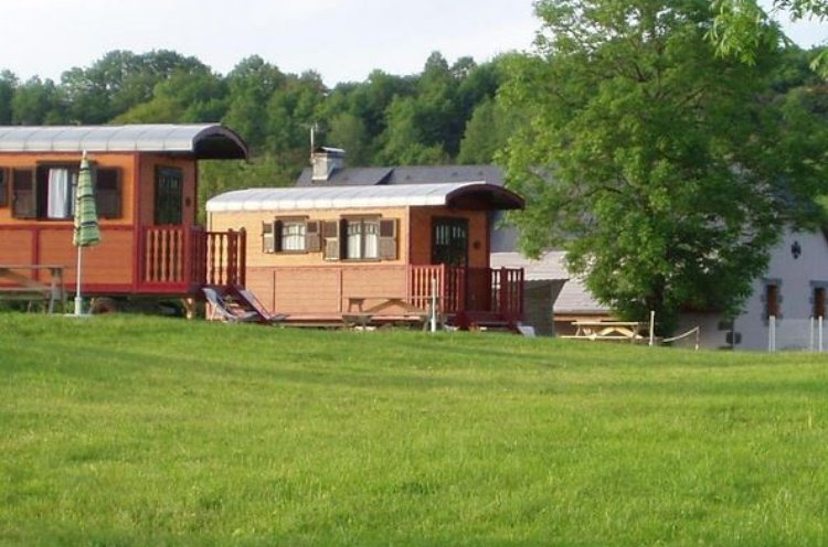 Camping Municipal Cantal Avec Mobil Home