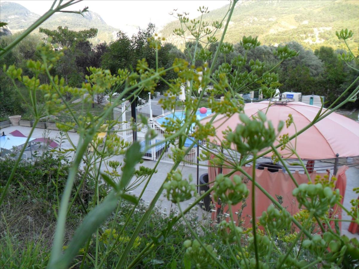 Camping gorges du verdon avec piscine location verdon for Camping proche des gorges du verdon avec piscine