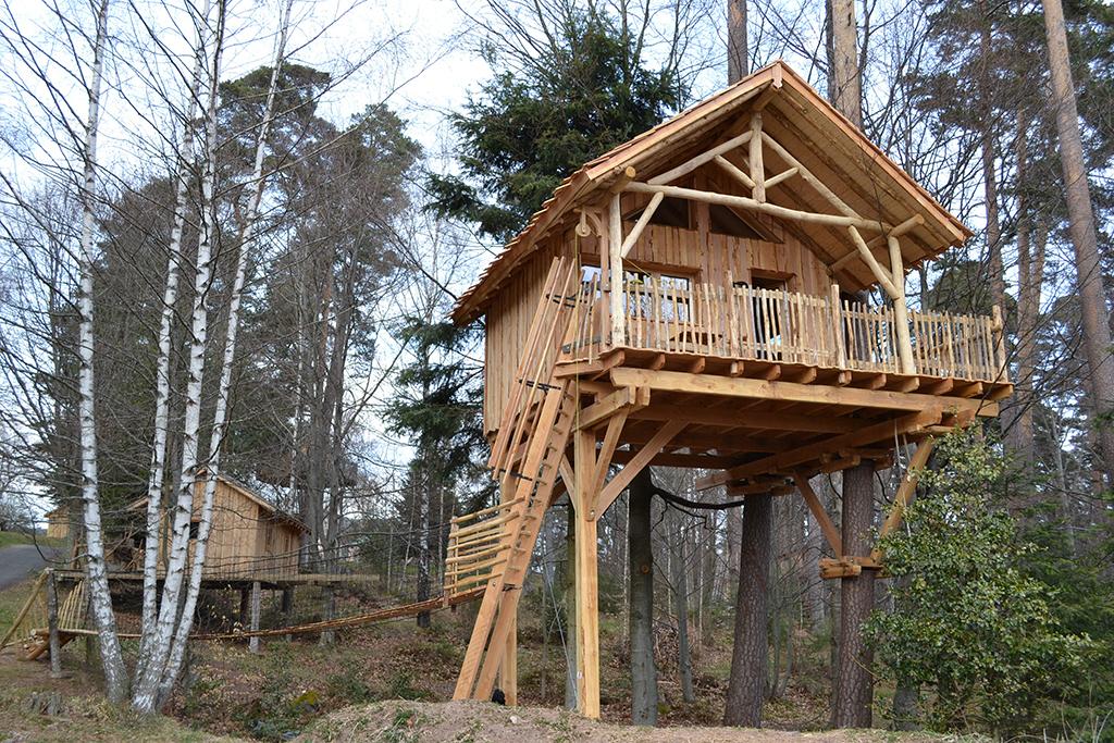 Cabane En Bois Dans Les Arbres : Cabane dans les arbres Alsace : les s?jours insolites en Alsace