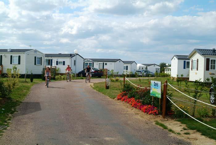 Domaine les prairies de la mer 4 toiles ouistreham for Camping basse normandie bord de mer avec piscine