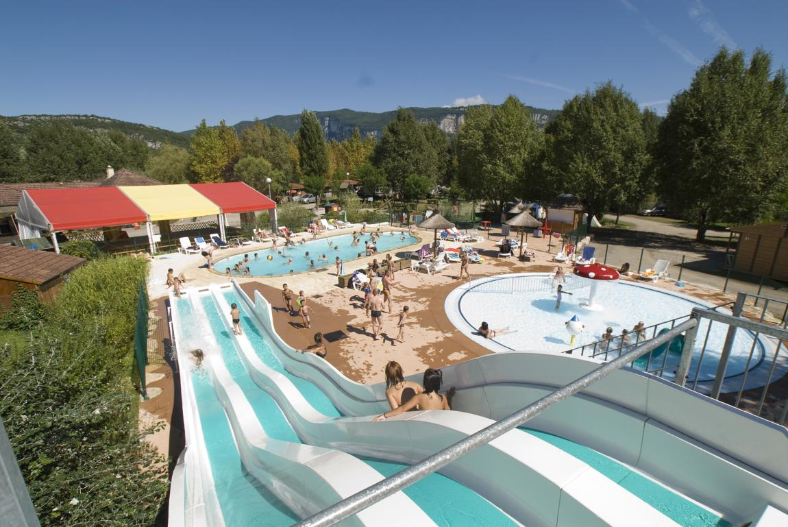 Camping avec piscine montferrat for Chavannes piscine