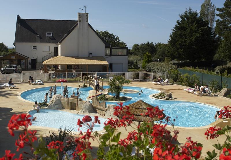 Camping avec piscine fouesnant for Camping fouesnant avec piscine