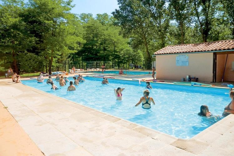 Camping avec piscine pamiers for Camping a carcassonne avec piscine