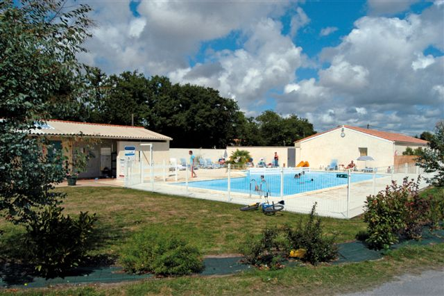 Camping vacaf charente maritime tous les campings qui for Camping poitou charente piscine