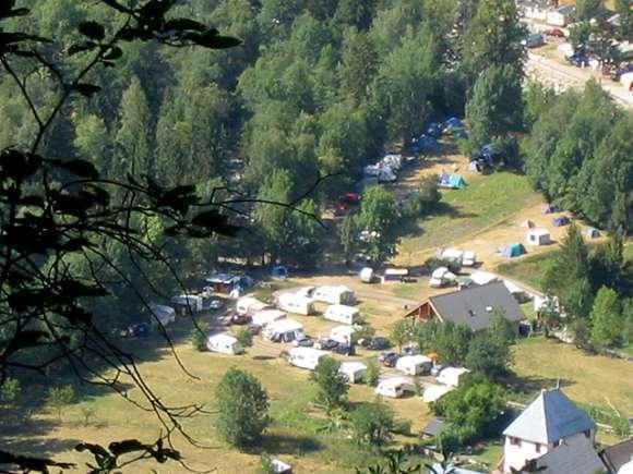 Camping le bourg d 39 oisans parc aquatique 1 campings for Camping la piscine bourg oisans