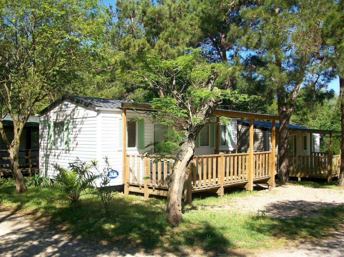 Camping saint r my de provence 4 campings et 72 aux for Camping saint remy de provence avec piscine