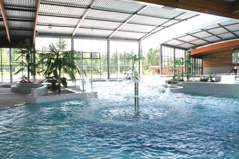 Camping avec piscine doucier for Horaire piscine lons le saunier