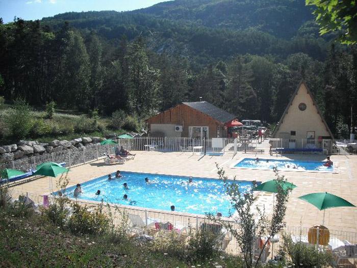 Camping la pierre de l 39 aigle 3 toiles la br ole toocamp for Piscine l aigle