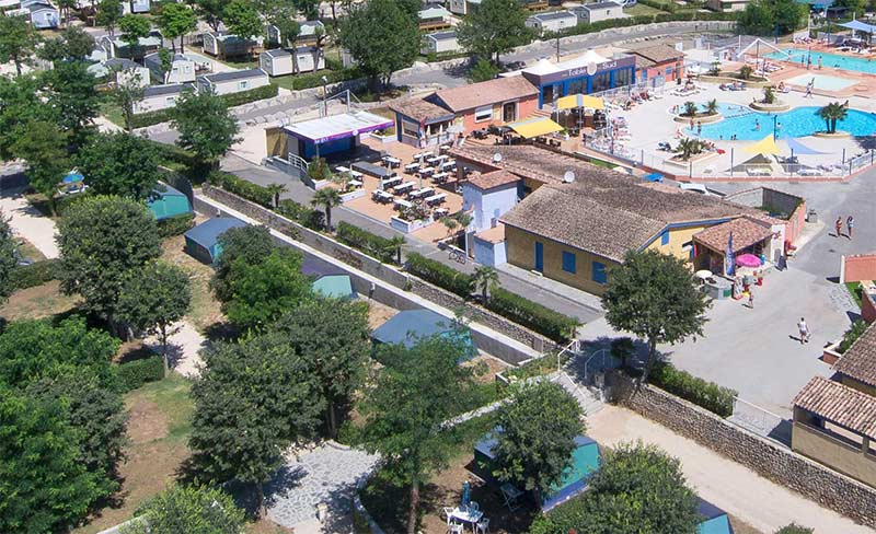 Camping La Plage Fleurie  toiles  VallonPontDArc  Toocamp