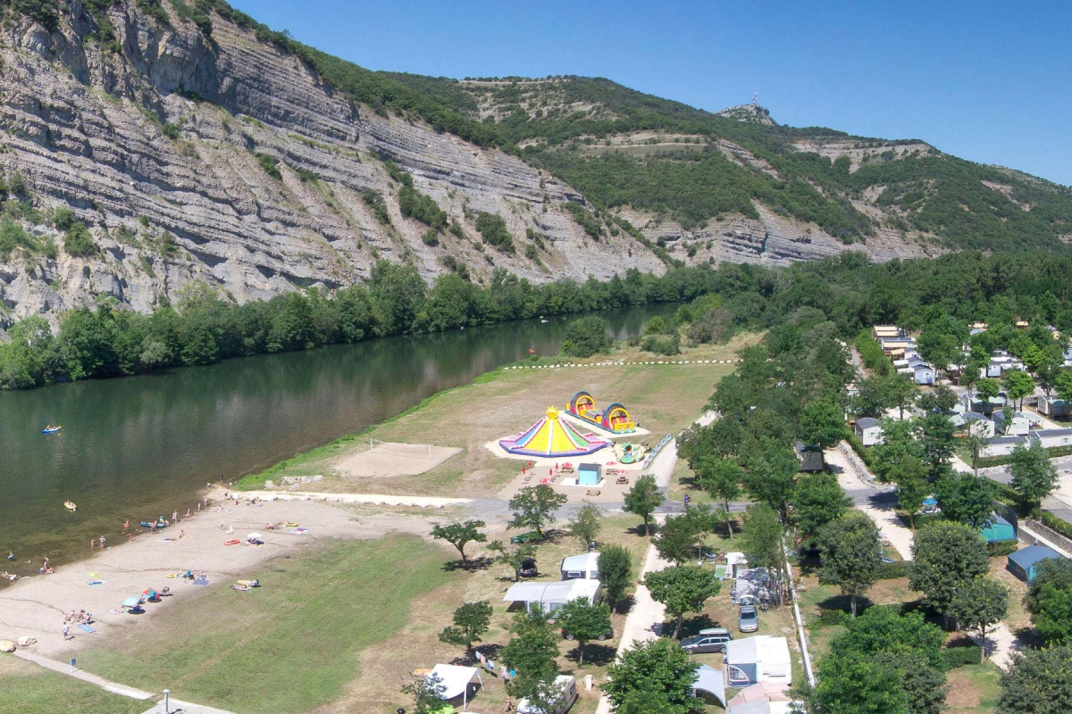 Camping la plage fleurie 5 toiles vallon pont d 39 arc - Camping vallon pont d arc piscine ...
