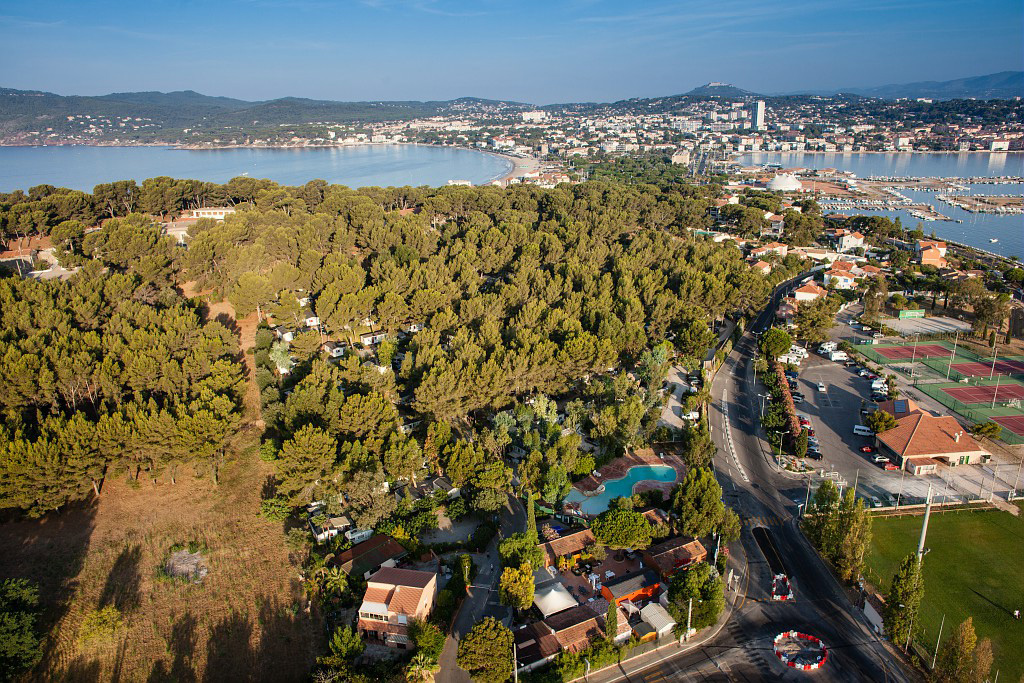 Camping 5 toiles sanary sur mer et camping 4 toiles for Camping sanary sur mer avec piscine