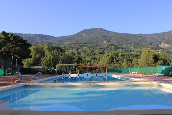 Camping avec piscine guillestre for Camping a embrun avec piscine