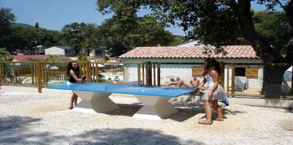 Camping la treille 4 toiles cavalaire sur mer toocamp for Camping cavalaire sur mer avec piscine