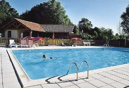 Camping avec piscine montreuil bellay for Piscine ecologique montreuil