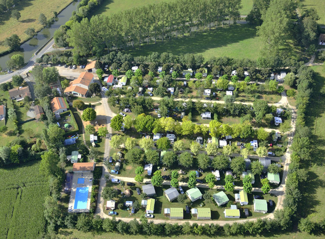 Camping avec piscine coulon - Camping deux sevres avec piscine ...
