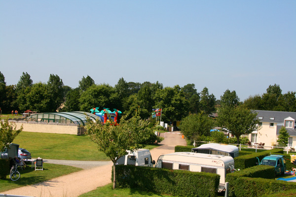Camping l 39 aiguille creuse 4 toiles les loges toocamp for Camping haute normandie piscine
