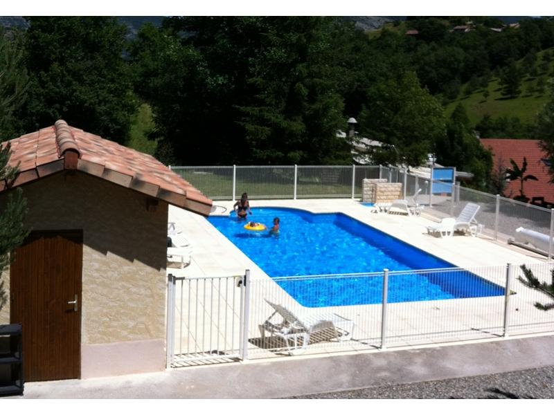 Camping avec piscine gap for Camping cote belge avec piscine