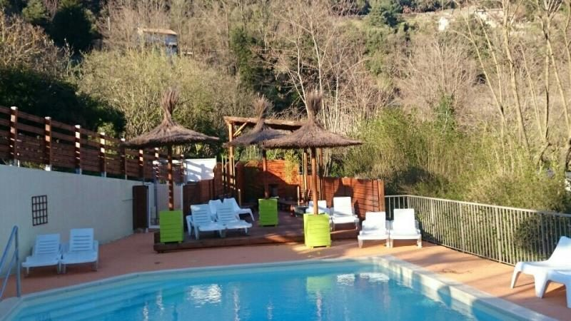 Camping thueyts pas cher for Camping ardeche avec piscine pas cher