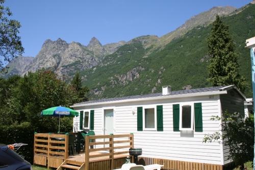 Camping le ch teau de rochetaill e 5 toiles le bourg d - Camping la piscine bourg d oisans ...