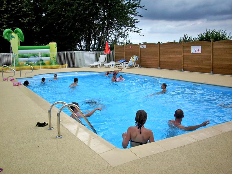 Camping avec piscine litteau for Camping calvados avec piscine