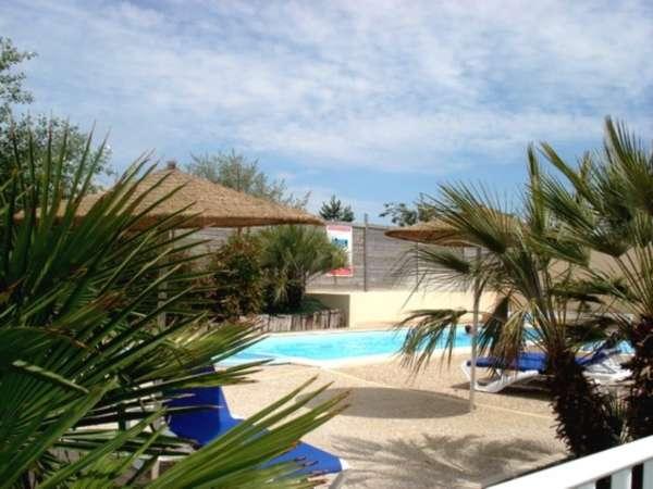 Camping avec piscine ch telaillon plage for Camping poitiers avec piscine