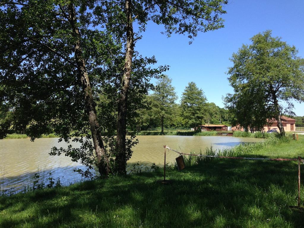 Camping avec piscine pont de vaux for Camping rhone alpes avec piscine