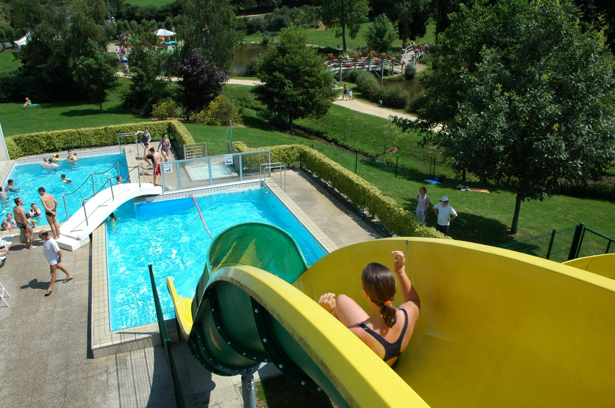 Camping lannion parc aquatique 2 campings comparer for Camping perros guirec piscine
