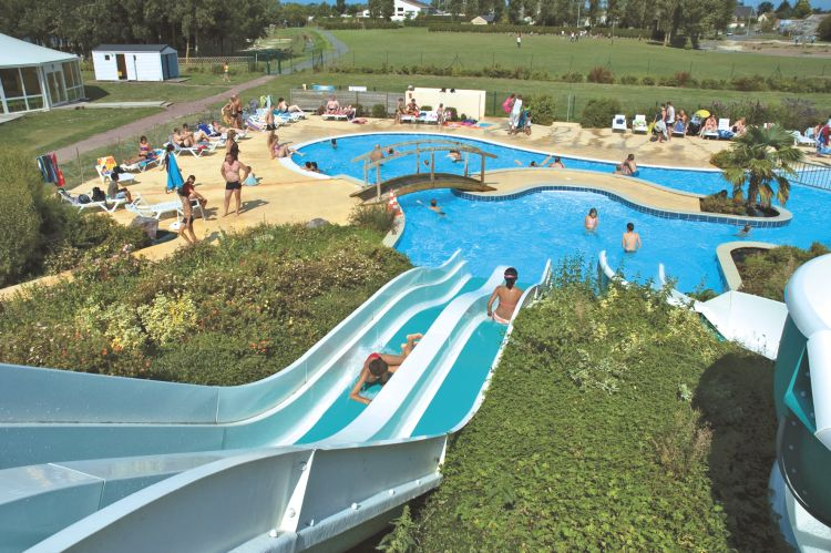 Camping le fanal 4 toiles isigny sur mer toocamp for Camping basse normandie avec piscine